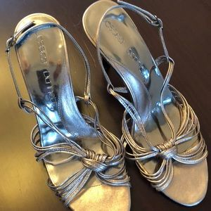 Shoes - Silver dressy sandals